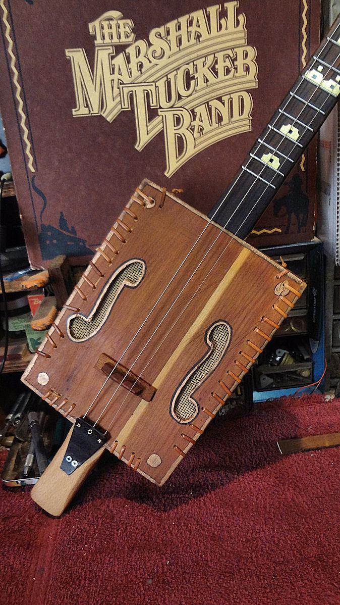 RTL Cedarbox Guitar