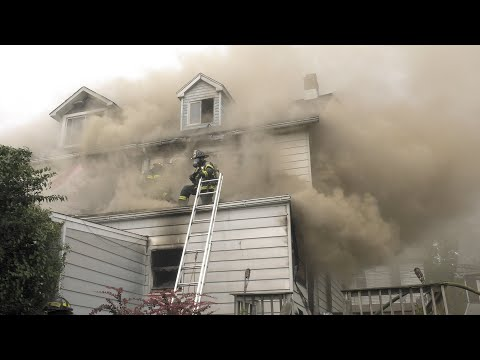 4TH ALARM: 3 houses burn in Allentown, Pennsylvania