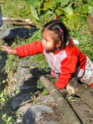 kid-on annapurna trekking trail
