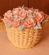 rose basket on cake