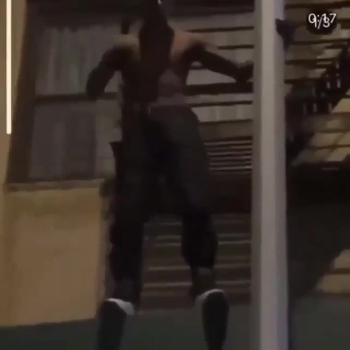 Man jumps off the scaffolding