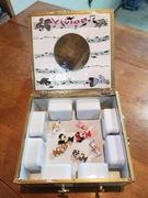 Cigar box Music Box. Inside