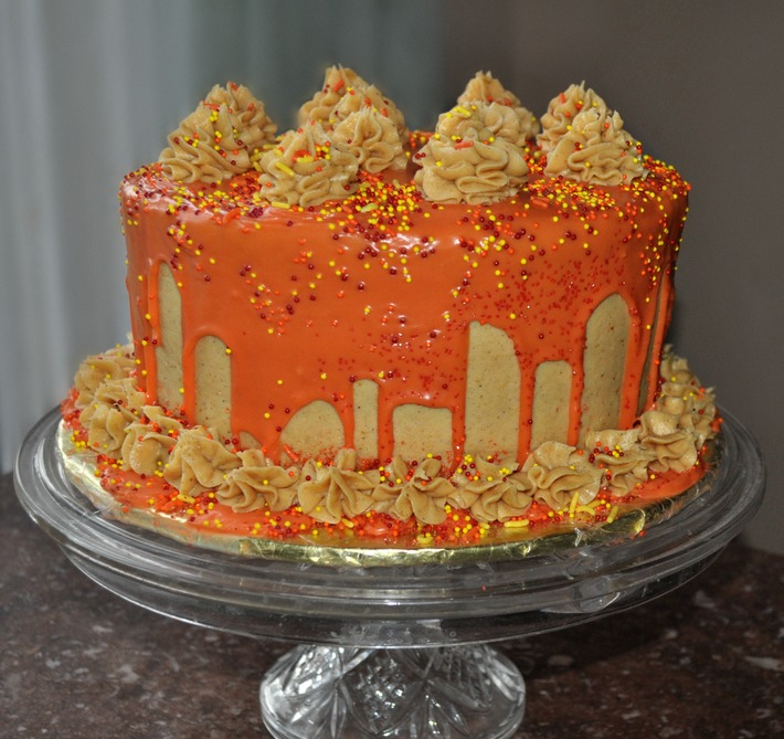 Spice Cake with Pumpkin Mascarpone Frosting
