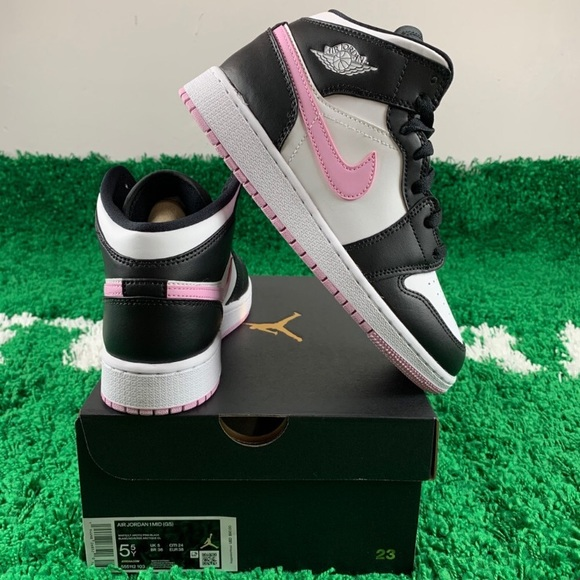 Dope Air Jordan 1 Mid For Girls Keeps It Classic With Black And Arctic Pink