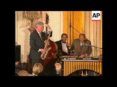 USA: BILL CLINTON PLAYS SAXOPHONE AT WHITE HOUSE PARTY