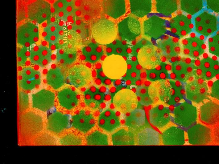 green:orange<>.><. jpg