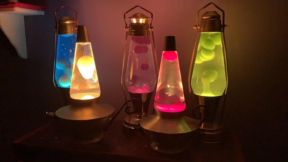 Two Aladdins, three lanterns