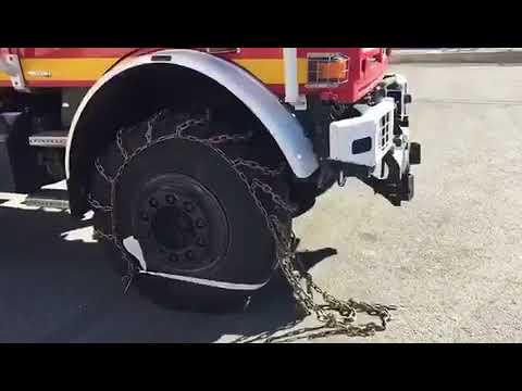 Colocación de cadenas camiones de bomberos