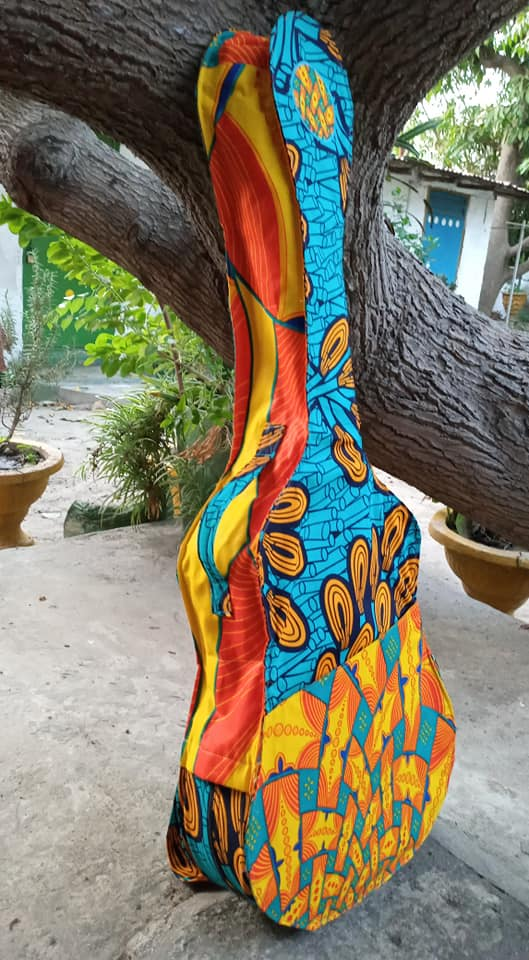 Gitarrentasche handmade by Mariama