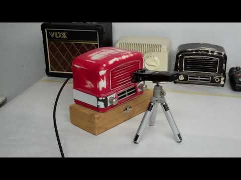 1947 Airline Radio hacked into Guitar Amplifier - Cigar Box Guitar Recording