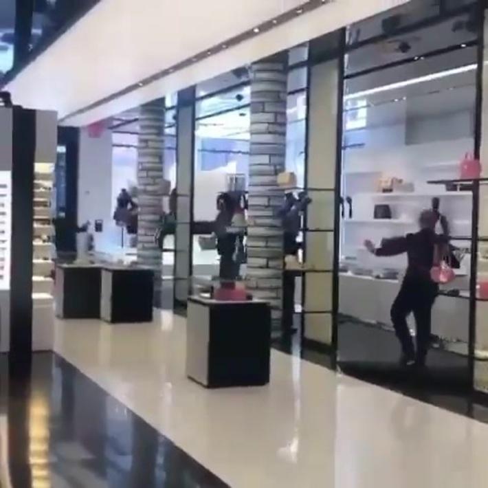 Grab & Run Robbery