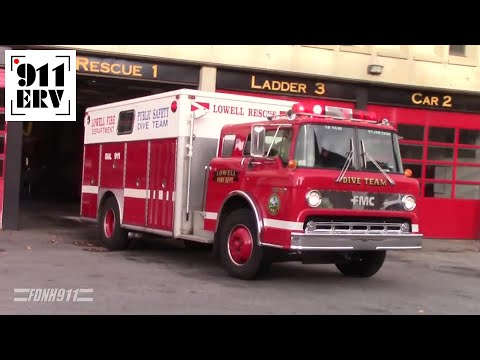 Lowell Fire Department Ex-Dive Truck Responding