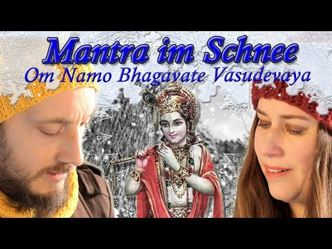 Mantra in the snow with Satyadevi and Madhuka - Om Namo Bhagavate Vāsudevāya - Yoga Vidya Bad Meinb…