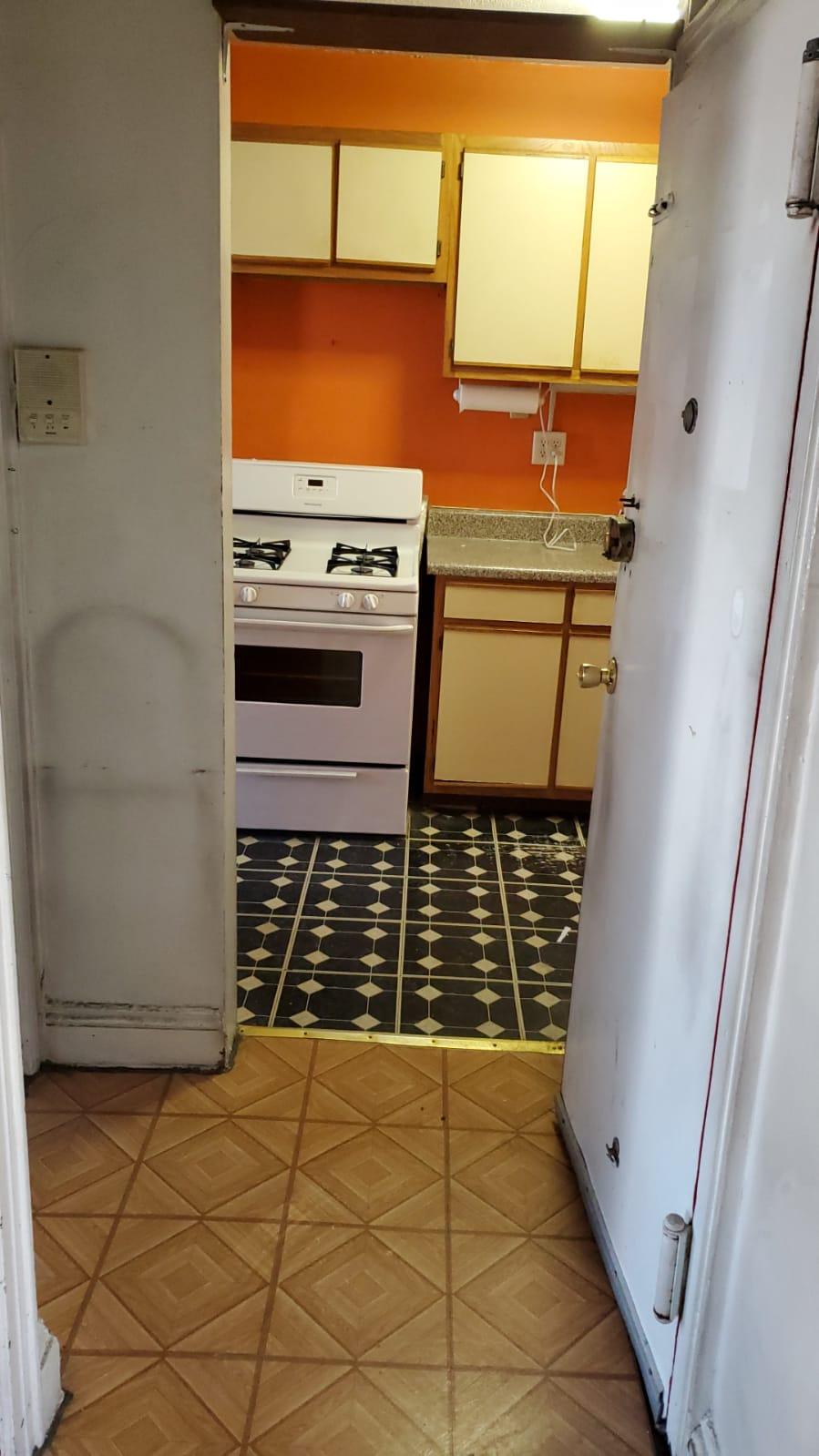 434 W 38th Apt #4B Une Opportunité de loyer stabilisée dans le coeur du Hudson Yards, 2 Chbr Pas de Frais!!