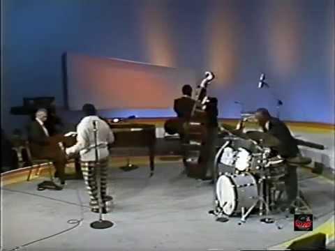 Joe Carroll - Lady Be Good (Live Video - 1976)