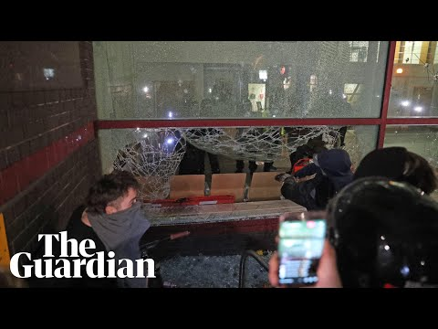 They Ain't Playin : 'Kill the bill' protestors storm police station in Bristol