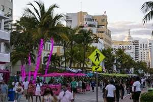 Fort Lauderdale changed its spring break scene in the '80s. Can Miami Beach do the same?