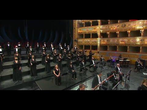 Mozart  -  Ave verum corpus e Requiem (Claus Peter Flor)