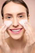 Best Face Washes for Women - HD Makeover