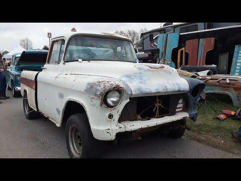 2021 Spring Carlisle Swap Meet Safari Video 4  Car Parts,Tons of Screws & A Close Up Look At A Cameo
