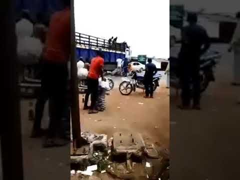 Moment truck loaded with bags of onions looted in Imo