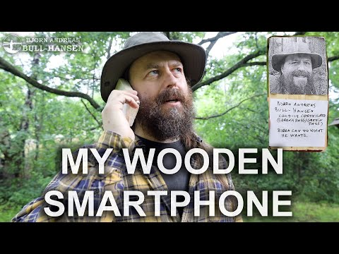 Make a wooden smartphone - with Covid passport!