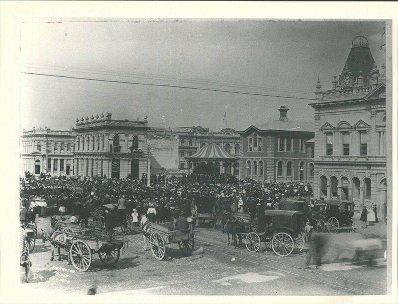 Public hanging 1895