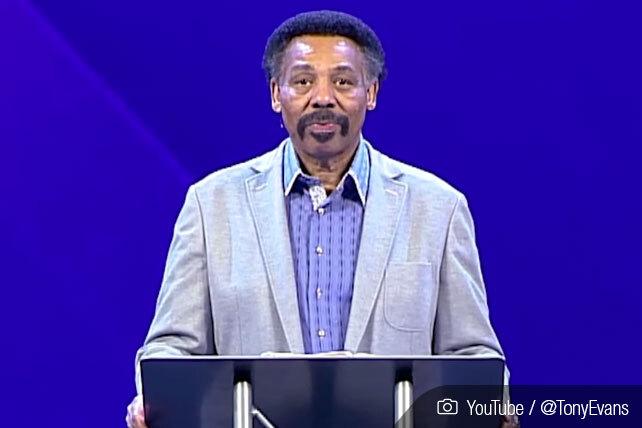Tony Evans Preaches Sermon Titled 'Men Need to Make a Choice'