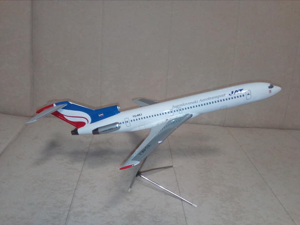 1:100 JAT B727 (1995 livery)