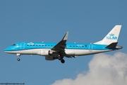 KLM Emb-175 PH-EXT