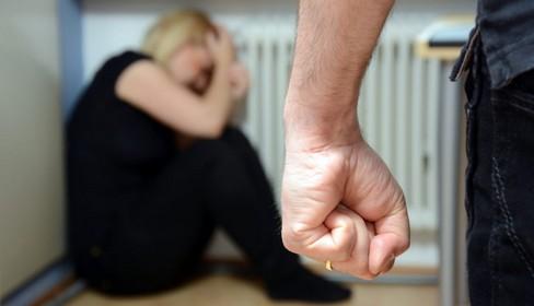 Vauvert : une femme de 40 ans poignardée à mort à l'intérieur et à l'extérieur de son domicile
