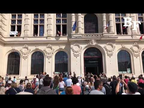 Poitiers, France: Anti-Vax Passport Protesters Take Over City Hall and Rips a Portrait of Macron to…