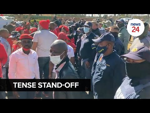 WATCH | Tense stand-off between Pretoria residents, Afrikaner group and EFF members at old age home