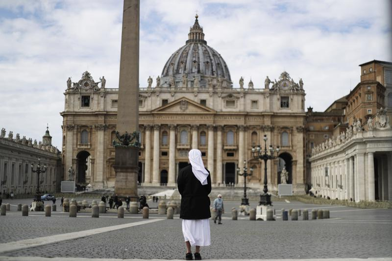 Vatican trial opens into financial scandal
