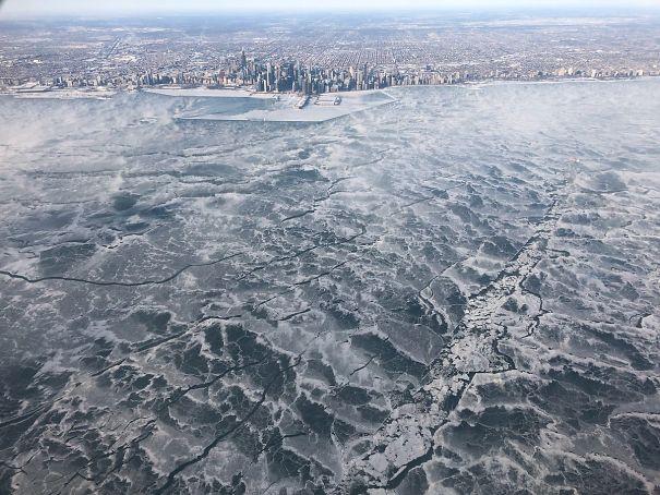 ყინვა ამერიკაში, ზამთარი ამერიკაში, ზამთრის ფოტოები, ყინვის ფოტოები, გაყინული მდინარე, გაყინული ტბა, გაყინული ადამიანები, ზამთარი, თოვლი, ამერიკა, ფოტოგრაფია, Qwelly, ბლოგი