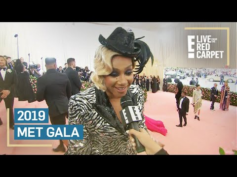 What?! Tiffany Haddish Has Chicken in Her Bag at 2019 Met Gala | E! Red Carpet & Award Shows