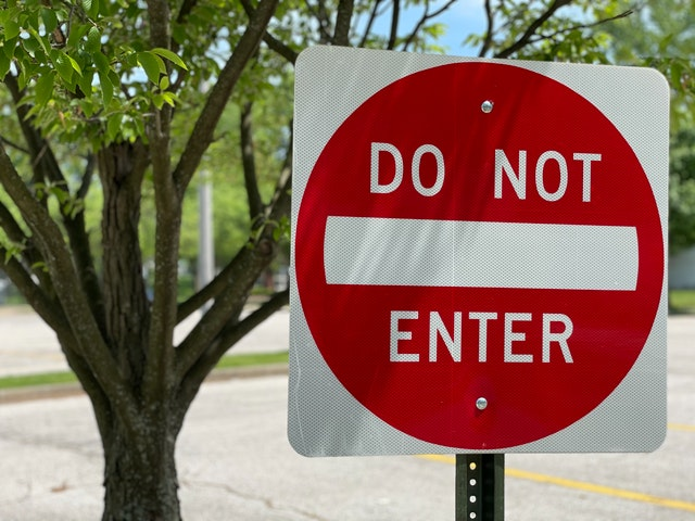 Daily Devotional: Caution, Stop and Go