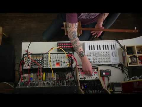 Diddley Bow Meets Modular Synth