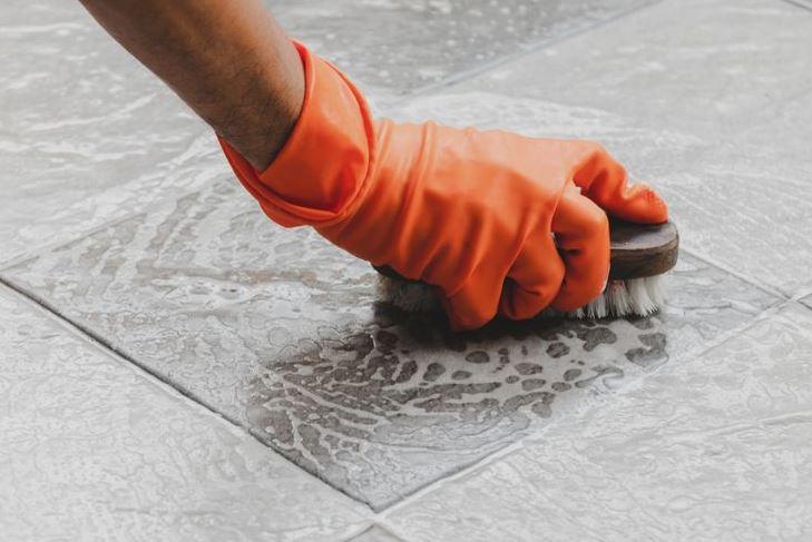 Tips Membersihkan Batu Alam di Rumah