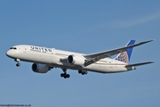 United Airlines 787 N24972