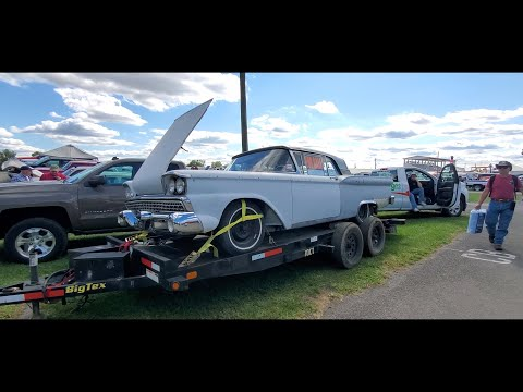 Classic Car Shopping At the Fall Carlisle Car Corral Javelin, MkV & Skyliner Retractable  Video 6